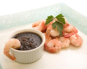 King prawns with sweet chilli dip